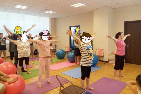 8月产科会员活动 | 明星孕妈保持身材的大招——孕期瑜伽免费体验!