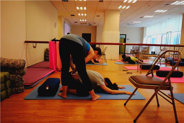 下周课程 | 孕期饮食小攻略、孕期瑜伽报名啦!