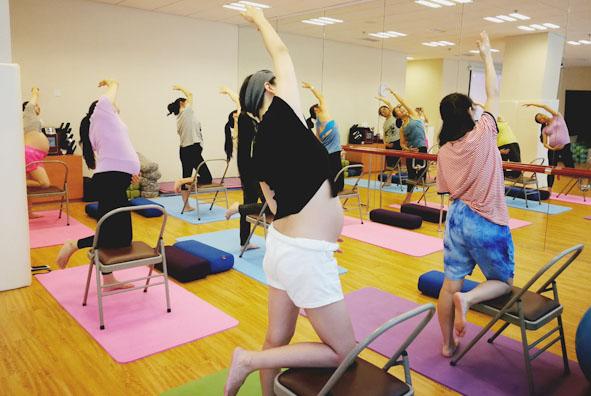 下周课程 | 孕期不适的缓解方法、产前检查、孕期瑜伽报名啦!