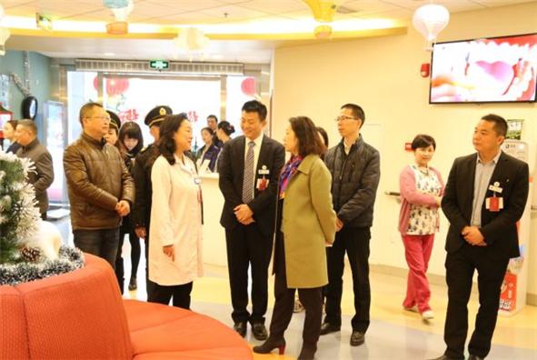 青羊区副区长赵艳艳一行到成都新世纪妇女儿童医院开展节前安全生产检查