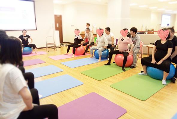 本周课程 | 分娩方式的选择、科学坐月子、助产球/孕期瑜伽报名!