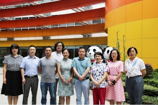 西部发展研究院执行院长郭志伟一行到成都新世纪深入开展调研,积极谋划合作